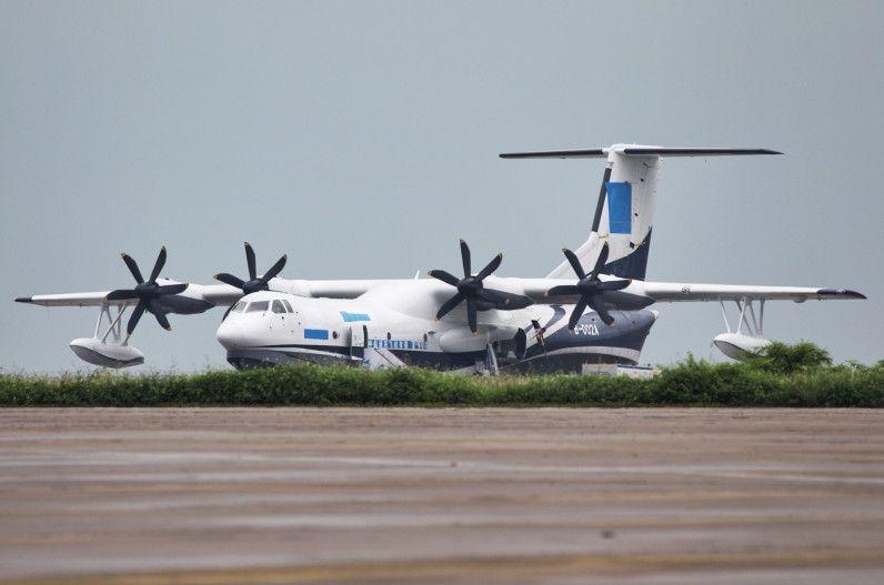 从试验获得的数据来看,ta600飞机水面滑行稳定性,喷溅性能和抗浪性