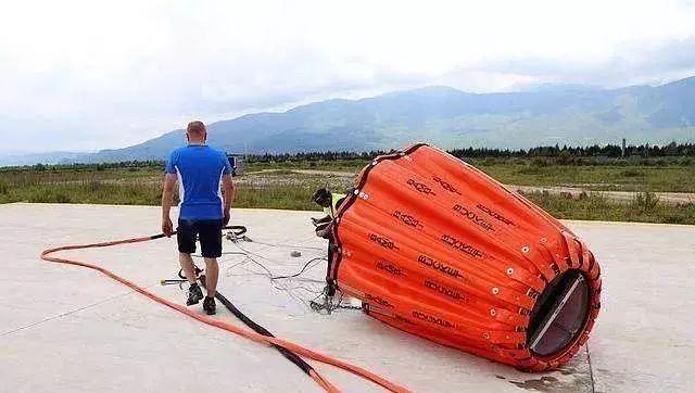 航空消防用的直升机吊桶是什么样的?