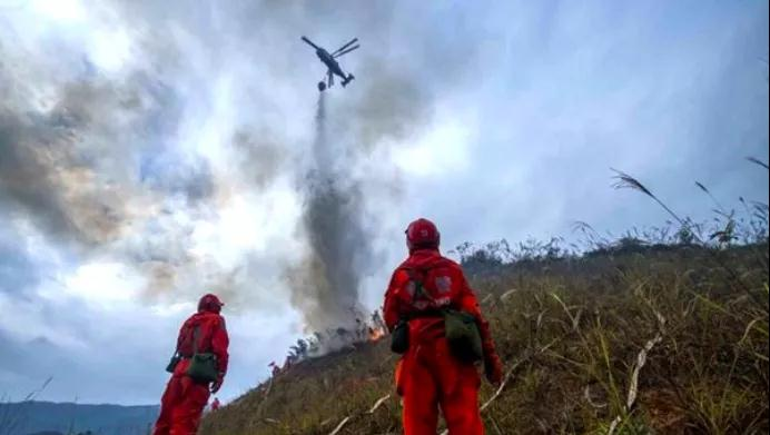 森林消防局副局长彭小国: 将逐步补充配备大型灭火飞机